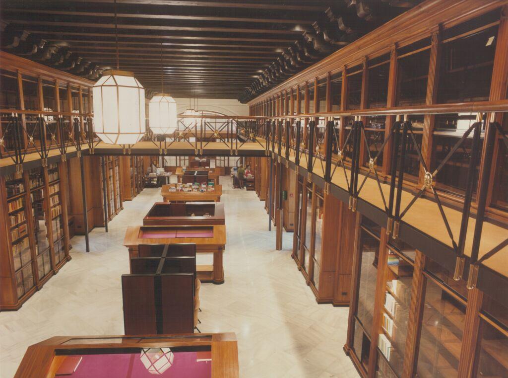 http://www.parlamentodeandalucia.es/opencms/export/portal-web-parlamento/contenidos/Imagenes/Protocolo/biblioteca.jpg